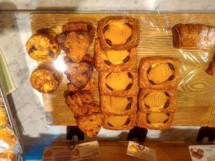 Foto 3 - Makanan di Tous Les Jours Cafe oleh Renodaneswara @caesarinodswr