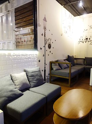 Foto 3 - Interior di Tamper Coffee oleh inggie @makandll