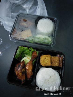 Foto 6 - Makanan di Ayam Bakar Kambal oleh Mich Love Eat
