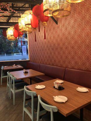 Foto 6 - Interior di Dragon Cafe oleh clown
