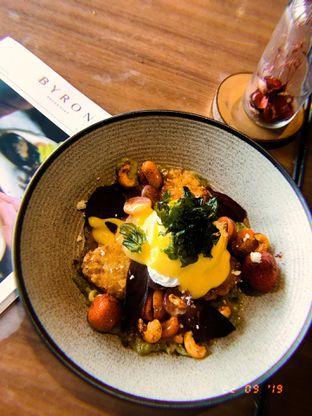 Foto 1 - Makanan(Pouch Egg Apa Gt ) di Byron Selective oleh Tia Darmawan
