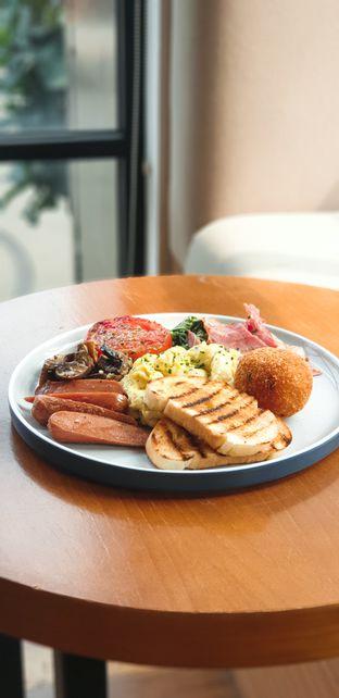 Foto 2 - Makanan(Big breakfast) di Coarse & Fine Coffee oleh Elaine Josephine @elainejosephine