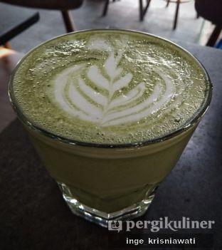 Foto 3 - Makanan(Green Tea Latte) di Tamper Coffee oleh Inge Inge