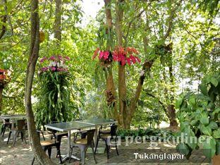 Foto 2 - Eksterior di Grand Garden Cafe & Resto oleh Nefinafila