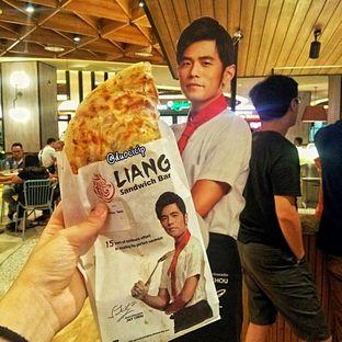 Foto - Makanan(Liang Chicken Sandwich) di Liang Sandwich Bar oleh duocicip