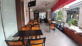 Foto 1 - Interior di KFC oleh om doyanjajan