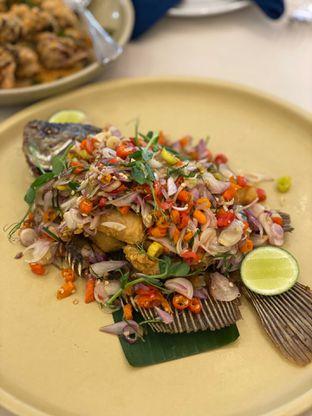 Foto 1 - Makanan(gurame ubud) di Eastern Opulence oleh Jeljel