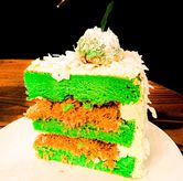 Foto Klepon Cake di Toby's Estate