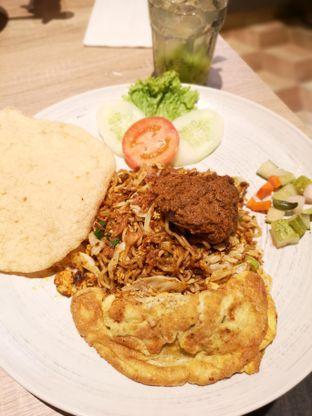 Foto 1 - Makanan di Papa & Mama Bistro and Coffee oleh om doyanjajan