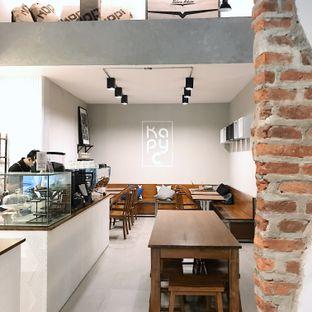Foto 3 - Interior di Kapyc Coffee & Roastery oleh Della Ayu