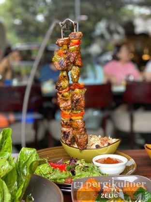 Foto 11 - Makanan(Hanging Beef Kebab) di Cutt & Grill oleh @teddyzelig