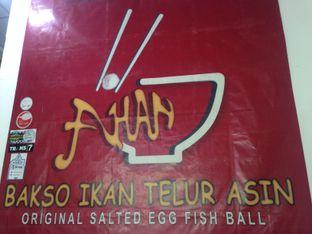 Foto 1 - Interior di Ahan Bakso Ikan Telur Asin oleh Saya Laper