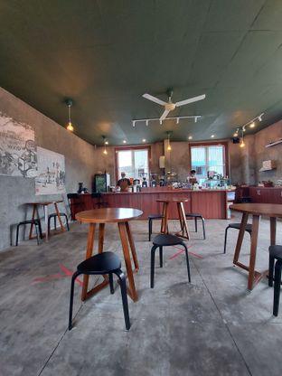 Foto 2 - Interior di Roast Coffee oleh Mouthgasm.jkt