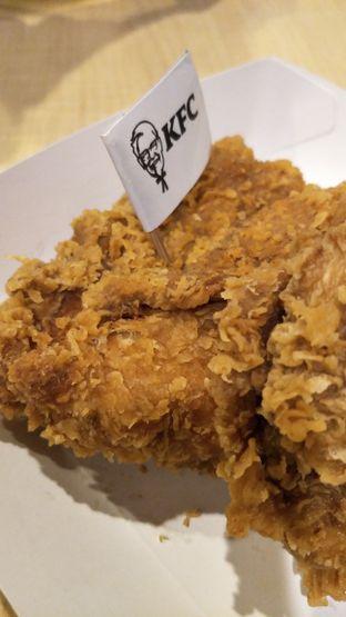 Foto 1 - Makanan di KFC oleh thehandsofcuisine