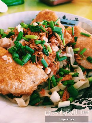 Foto - Makanan(cwie kiaw mie) di Depot Mie Ayam Bu Benny oleh @supeririy