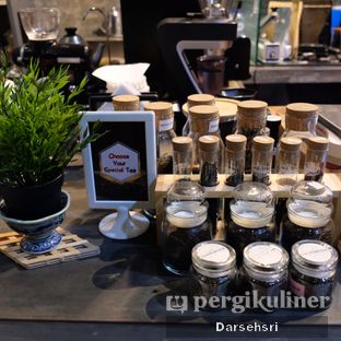 Foto 8 - Interior di Nosy Specialty Coffee oleh Darsehsri Handayani