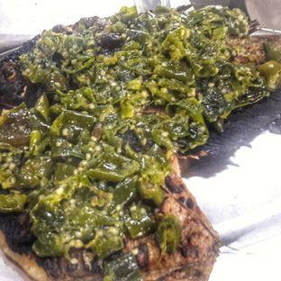 Foto 6 - Makanan(Ikan Gurame Bakar cabai ijo) di Lembur Kuring oleh Yudha Orishander