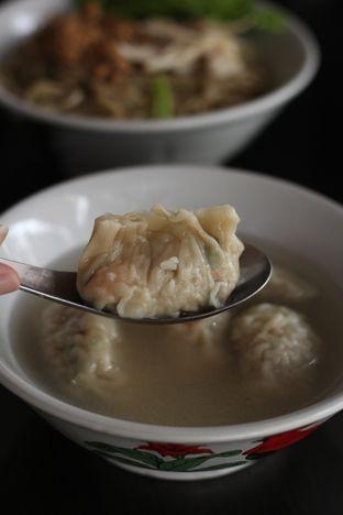 Foto 2 - Makanan di Bakmi Karet Surya oleh thehandsofcuisine