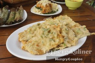 Foto 2 - Makanan di Daun Kelapa oleh Hungry Couplee