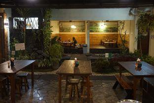 Foto 2 - Interior di Warung Nasi Ampera oleh yudistira ishak abrar