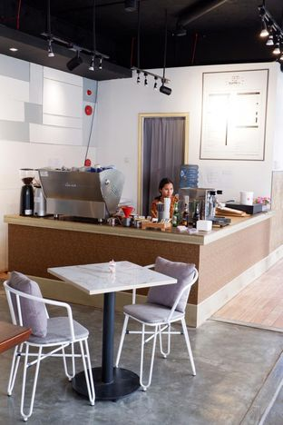 Foto 22 - Interior di Turn On Coffee & Eatery oleh yudistira ishak abrar