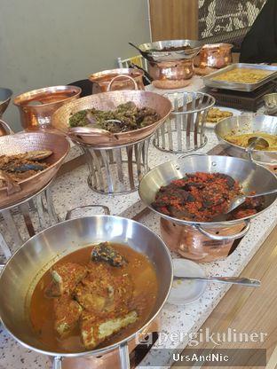 Foto 8 - Makanan di Nasi Kapau Uni Nailah oleh UrsAndNic