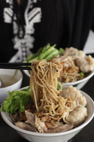 Foto 6 - Makanan di Bakmi Karet Surya oleh thehandsofcuisine