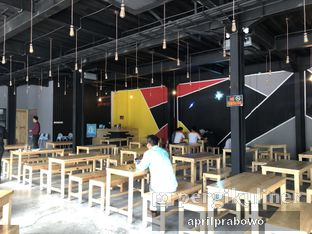 Foto 4 - Interior di Warung Asik 18 oleh Cubi