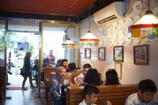 Foto 8 - Interior di Pizza Place oleh Fadhlur Rohman