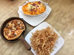 Foto 1 - Makanan di Pizza Hut oleh Yohanacandra (@kulinerkapandiet)