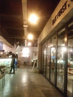 Foto 4 - Interior di Routine Coffee & Eatery oleh Nadira Sekar