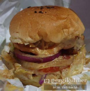 Foto review Brick Pastrami Burger oleh Ivan Setiawan 1
