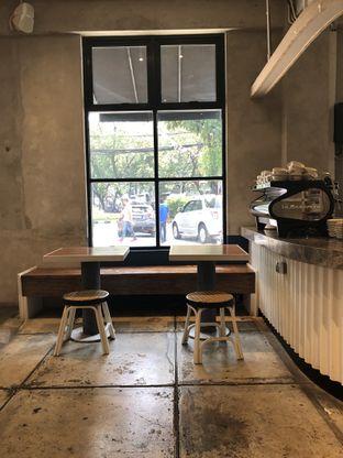 Foto 4 - Interior di Cyclo Coffee & Apparel oleh YSfoodspottings