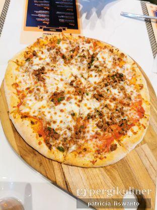 Foto 2 - Makanan(meat lover pizza) di 91st Street oleh Patsyy
