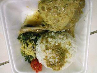 Foto - Makanan di Masakan Bali Ibu Kadek oleh Derall Santoso
