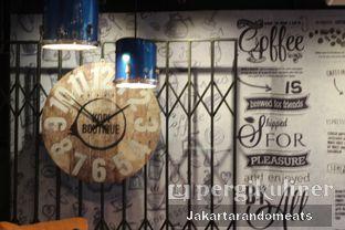 Foto 23 - Interior di Kopi Boutique oleh Jakartarandomeats