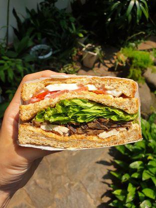 Foto 1 - Makanan(Club sandwich) di SandShack oleh Pengembara Rasa