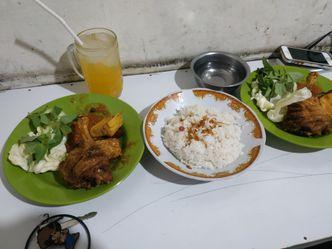 Foto Makanan di Nasi Uduk Mbak Sri