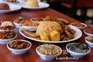 Foto 2 - Makanan di Sambal Khas Karmila oleh Julio & Sabrina