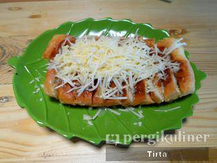 Foto review Roti & Pisang Bakar oleh Tirta Lie 1