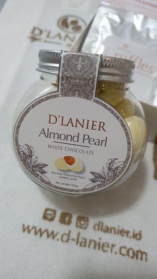 Foto 2 - Makanan(Almond pearl) di D'Lanier oleh astridT
