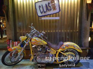 Foto 9 - Interior di Badung Cafe & Resto oleh Ladyonaf @placetogoandeat