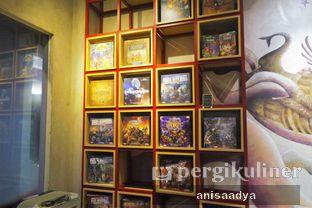 Foto 7 - Interior di The Bunker Cafe oleh Anisa Adya
