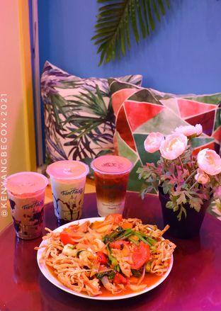 Foto review Garage Cafe oleh Vionna & Tommy 2