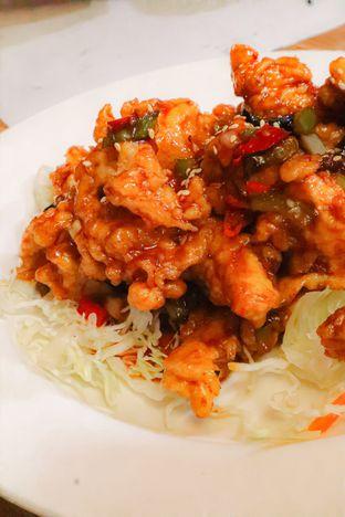 Foto 2 - Makanan di Legend Of Noodle oleh thehandsofcuisine