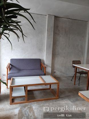 Foto 6 - Interior di Mineral Cafe oleh Selfi Tan