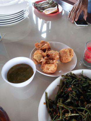 Foto 4 - Makanan di Talaga Sampireun oleh Yutrisko