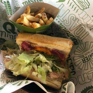 Foto 1 - Makanan di Quiznos oleh @Perutmelars Andri