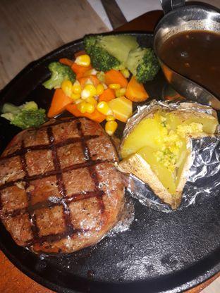 Foto 1 - Makanan di Pujangga Steak & Coffee oleh Mouthgasm.jkt