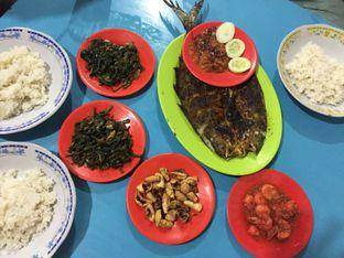 Foto - Makanan di Seafood Artomoro Pak Kumis oleh @yoliechan_lie